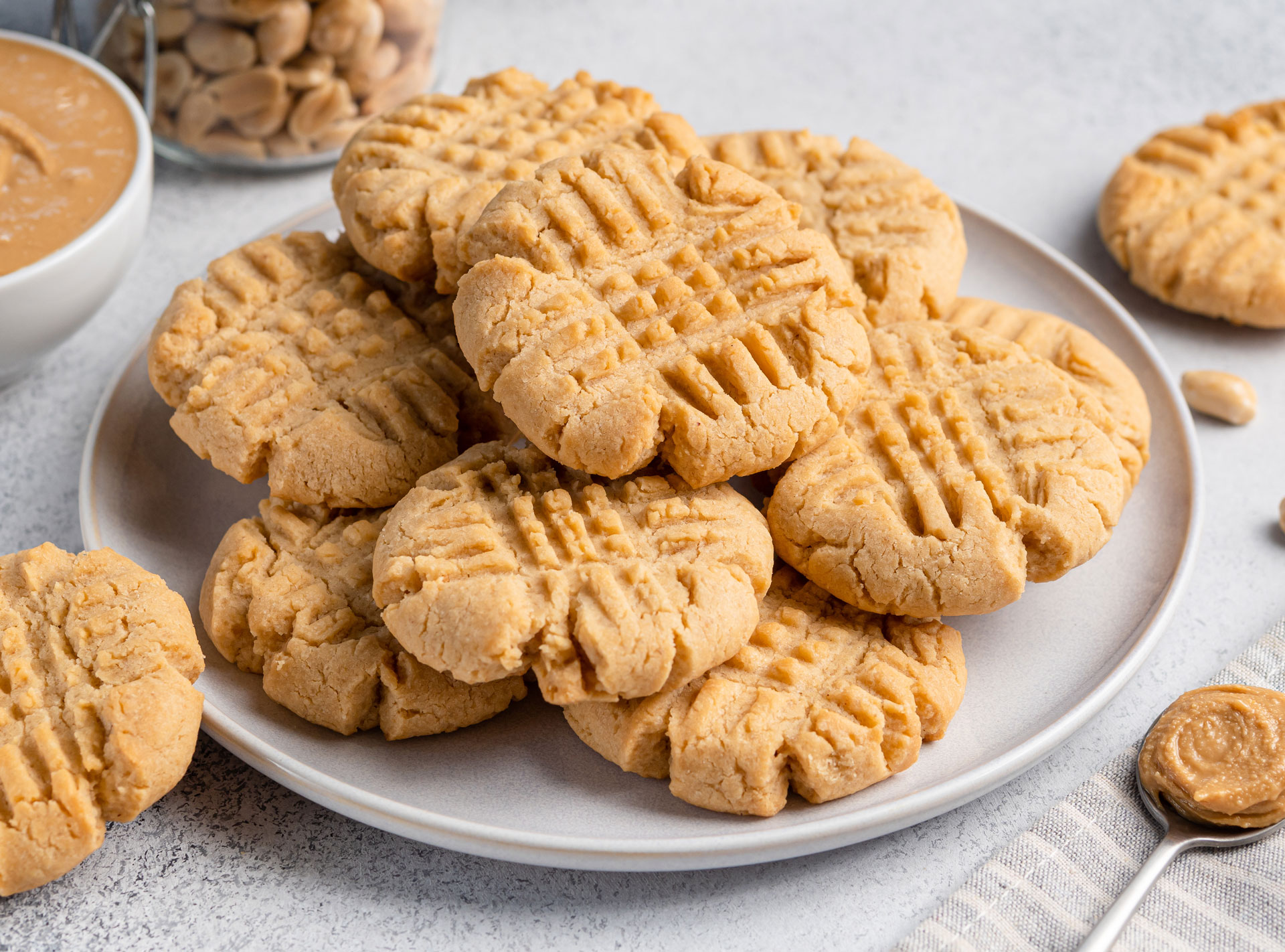Old Fashioned Peanut Butter Cookies using Swerve